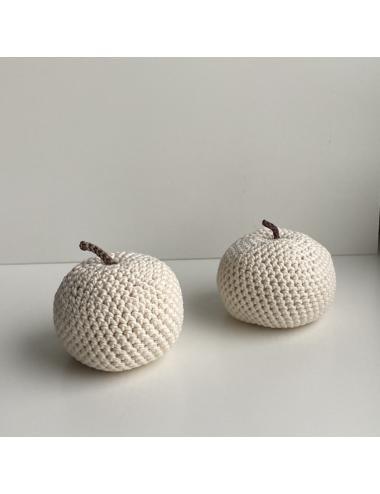 Crocheted decoration apple | cream